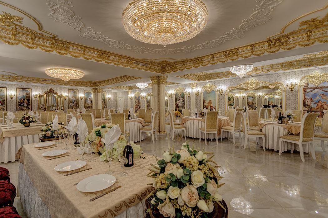 Большой зал в стиле барокко на 100 персон